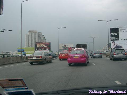 Bangkok auf Hochstrasse