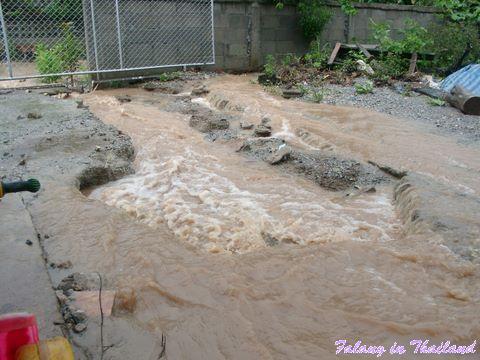 Regenzeit in Thailand - Überschwemmung