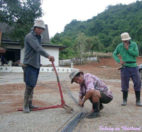 Arbeiten im Wat - Stahl schneiden