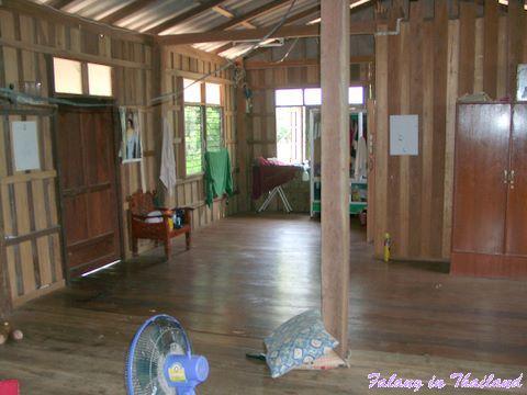 Typisches thailändisches Wohnhaus Wohnzimmer