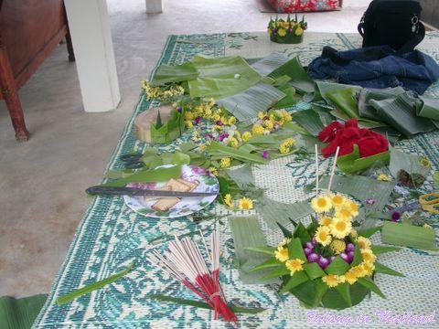 Loi Krathong - Herstellen der Krathongs