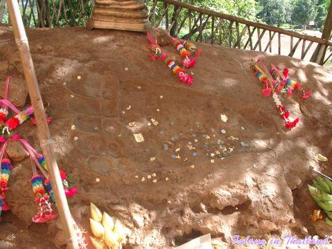 wat-phangam-fussabdruck-buddhas-07280002