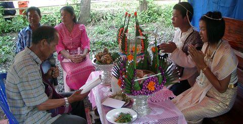 thailändische Kinder-heiraten