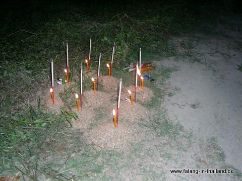 Kerzen und Weihrauch